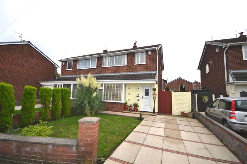 3 Bedrooms Semi Detached House for sale in Romford Avenue, Leigh