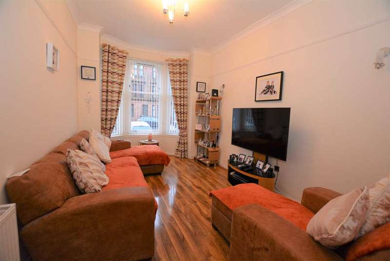 3 Bedrooms Duplex Flat for sale in Earl Street, Scotstoun, G14