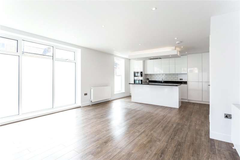2 Bedrooms Flat for sale in St Johns Road, Watford, Hertfordshire, WD17