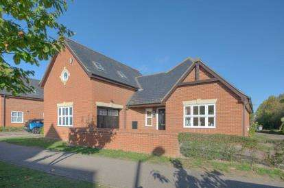 4 Bedrooms Detached House for sale in Lilleshall Avenue, Monkston, Milton Keynes