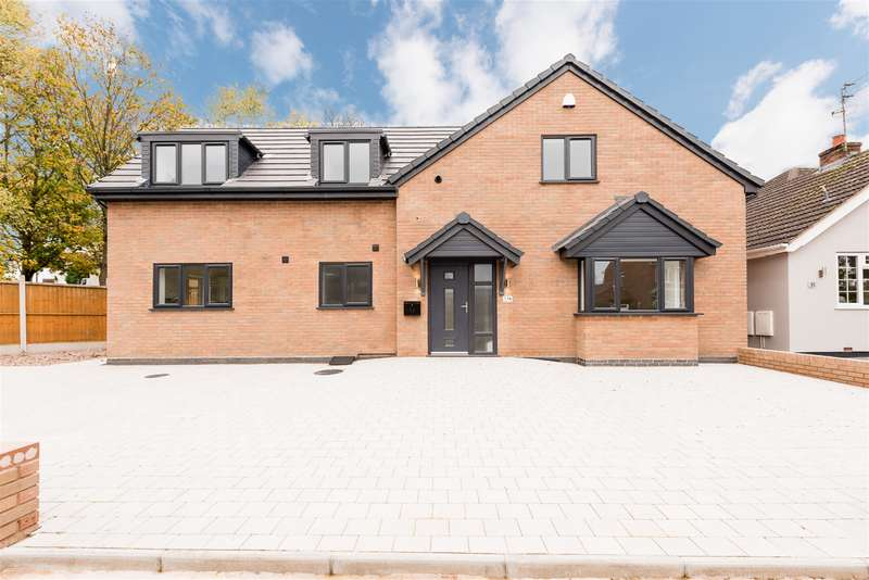 4 Bedrooms Detached House for sale in Park Lane, Kingswinford, DY6 8AT