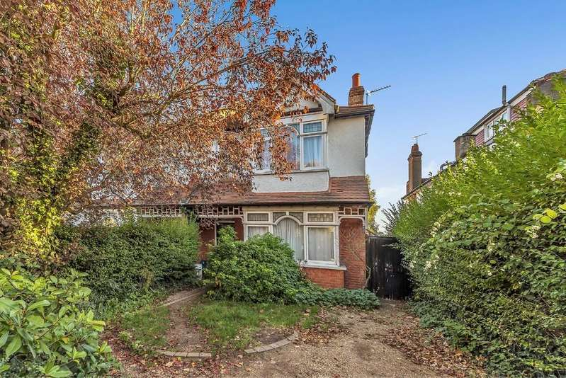 5 Bedrooms Semi Detached House for sale in Woodbastwick Road, SE26