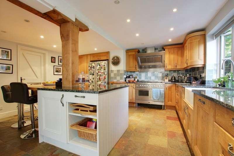 5 Bedrooms Detached House for sale in High Street, Damerham, Fordingbridge, SP6