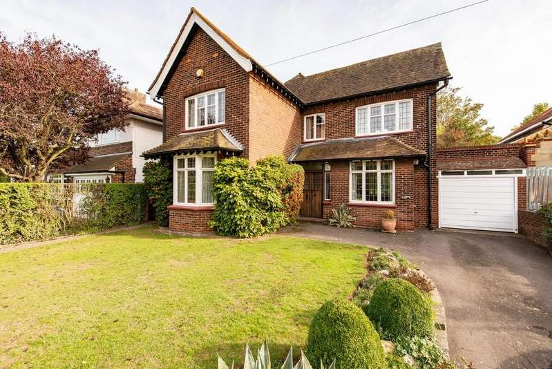 4 Bedrooms Detached House for sale in Singlewell Road, Gravesend