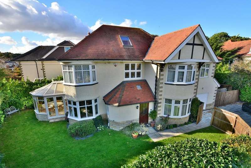 4 Bedrooms Detached House for sale in Brackendale Road, Bournemouth
