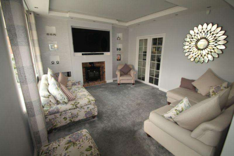 3 Bedrooms Semi Detached House for sale in Woodhay Avenue, Acklam