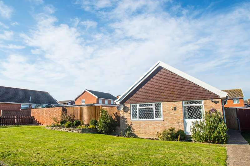 2 Bedrooms Bungalow for sale in Maywood Avenue, Eastbourne