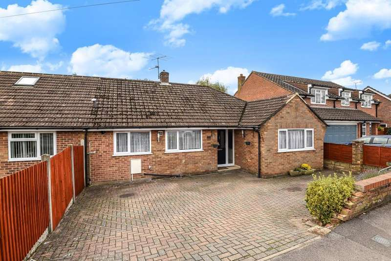 2 Bedrooms Bungalow for sale in Kiln Road, Newbury, RG14