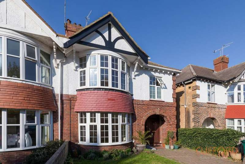 4 Bedrooms Semi Detached House for sale in Braemore Road, Hove BN3