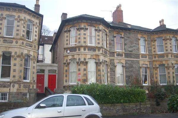 11 Bedrooms Maisonette Flat for rent in Upper Maisonette, Ravenswood Road
