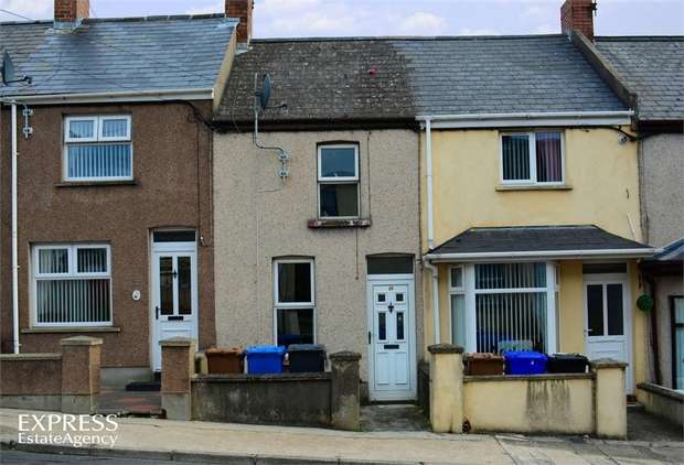2 Bedrooms Terraced House for sale in Carson Street, Larne, County Antrim