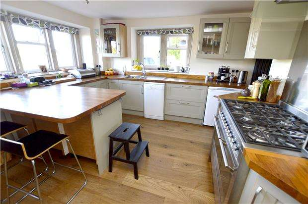 4 Bedrooms Cottage House for sale in Callowell Cottages, Stroud, Gloucestershire, GL6 6EA