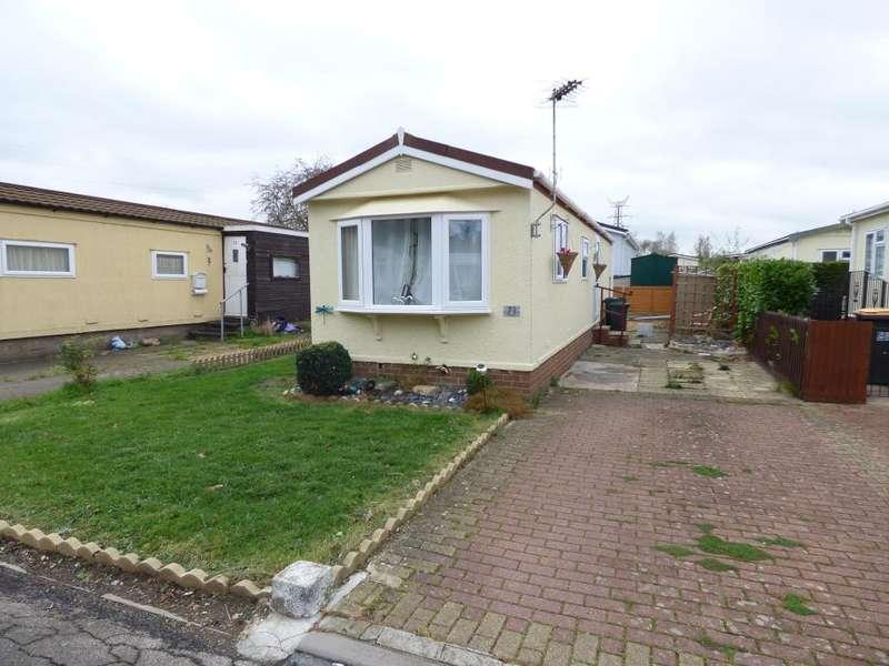 1 Bedroom Park Home Mobile Home for sale in Folly Park, Clapham, Beds, MK41 6AL