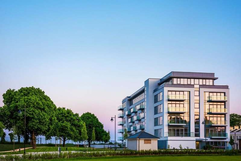 3 Bedrooms Apartment Flat for sale in Leeward House, 171 Discovery Road