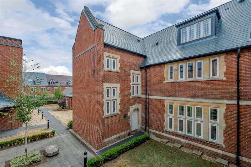 3 Bedrooms Apartment Flat for sale in Wormestall Grange, Enborne Road, Newbury, Berkshire, RG14