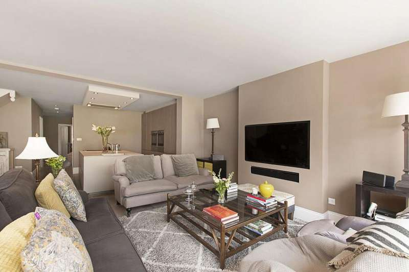 4 Bedrooms Detached House for sale in Worcester Park, kt4