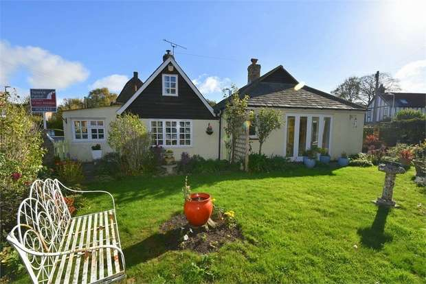 2 Bedrooms Detached Bungalow for sale in The Street, St Nicholas at Wade, Kent