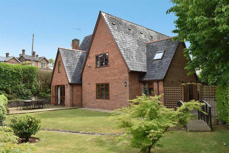 5 Bedrooms Detached House for sale in Trull Road