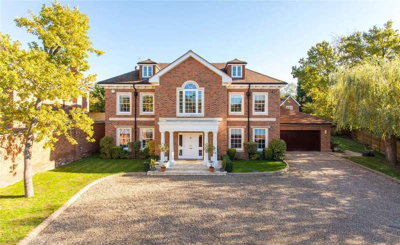 5 Bedrooms Detached House for sale in The Avenue, Farnham Common, Buckinghamshire
