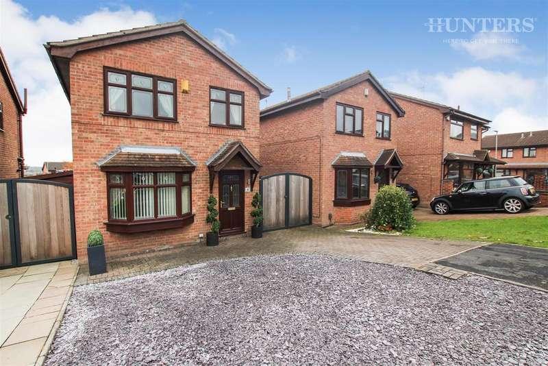 3 Bedrooms Detached House for sale in Crossmead Grove, Birches Head, ST1 6TZ