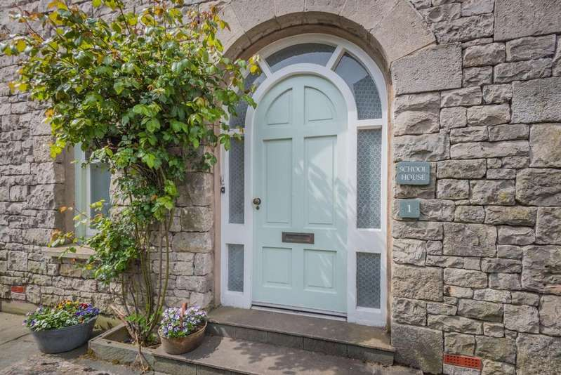 5 Bedrooms Detached House for sale in School House, Castle Street, Kendal, LA9 7AD