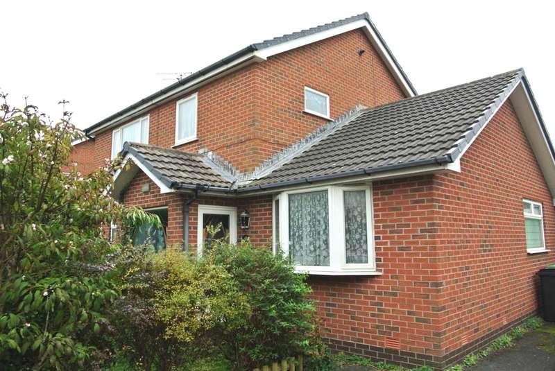 4 Bedrooms Detached House for sale in Allandale, Blackpool, FY4 1RH