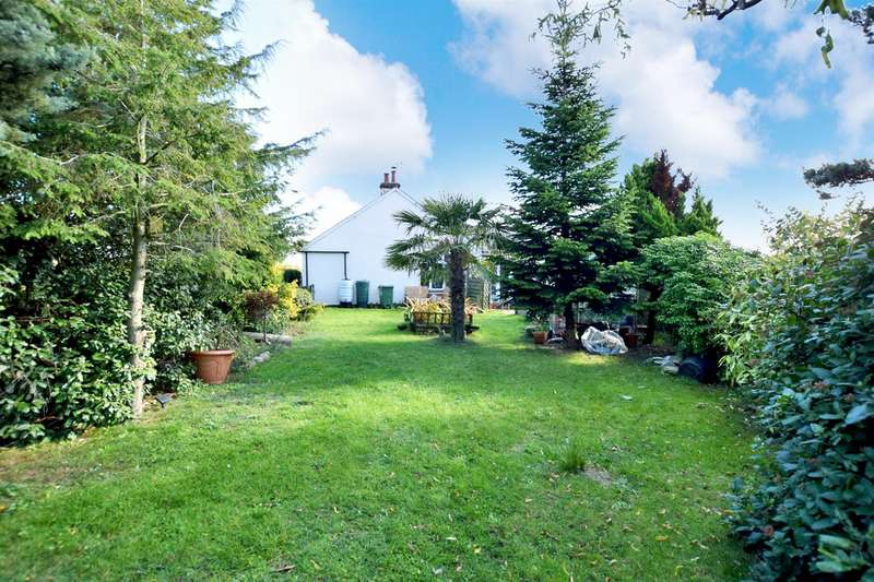 3 Bedrooms Detached Bungalow for sale in Colchester Road, Halstead