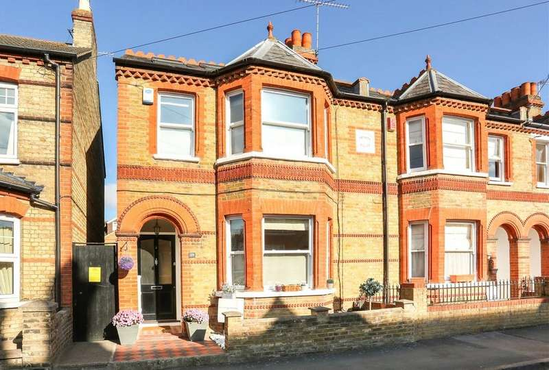 3 Bedrooms Semi Detached House for sale in Queens Road, Windsor, Berkshire, SL4