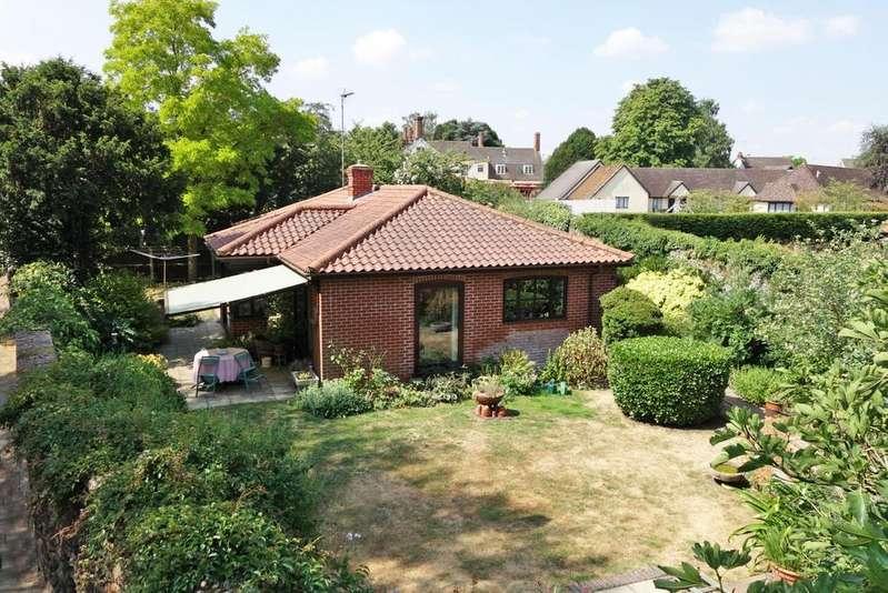 3 Bedrooms Detached Bungalow for sale in Fornham Road, Bury St. Edmunds