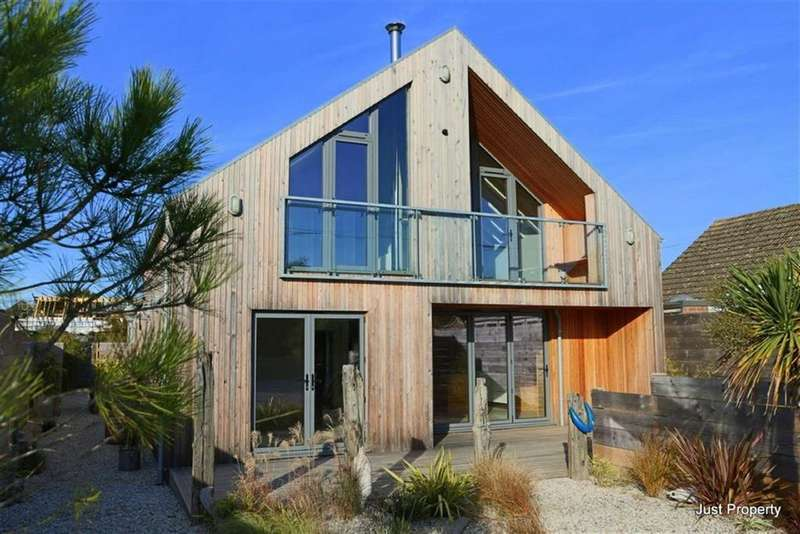 5 Bedrooms Detached House for sale in Old Lydd Road, Camber