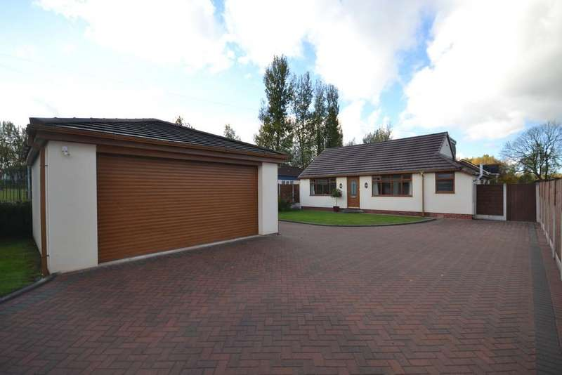 4 Bedrooms Detached Bungalow for sale in Manchester Road, Astley