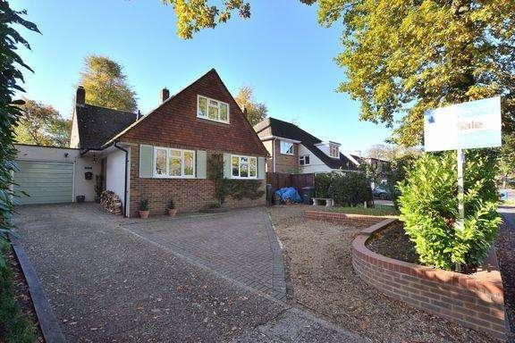 4 Bedrooms Detached House for sale in FLEET