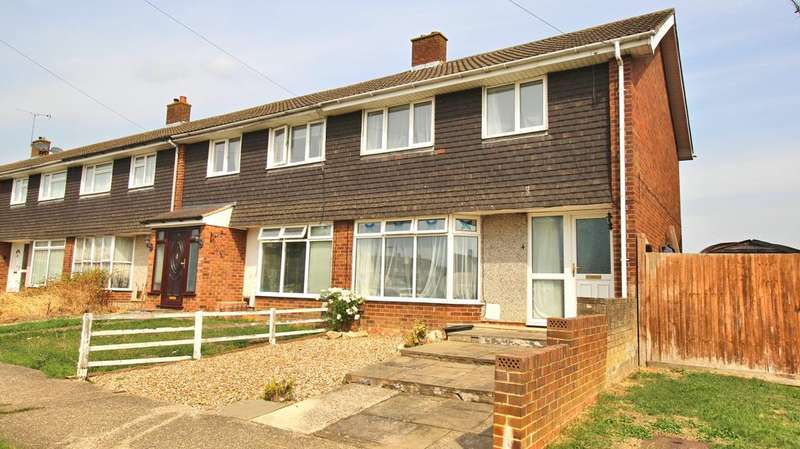 3 Bedrooms Semi Detached House for sale in Holland Road, Aylesbury HP19