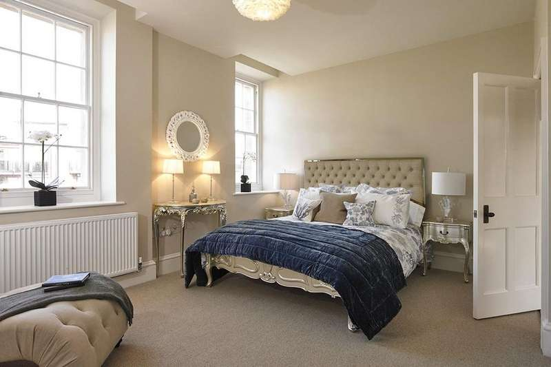 3 Bedrooms Flat for sale in Apartment 4-11, The General, Guinea Street, Bristol, BS1