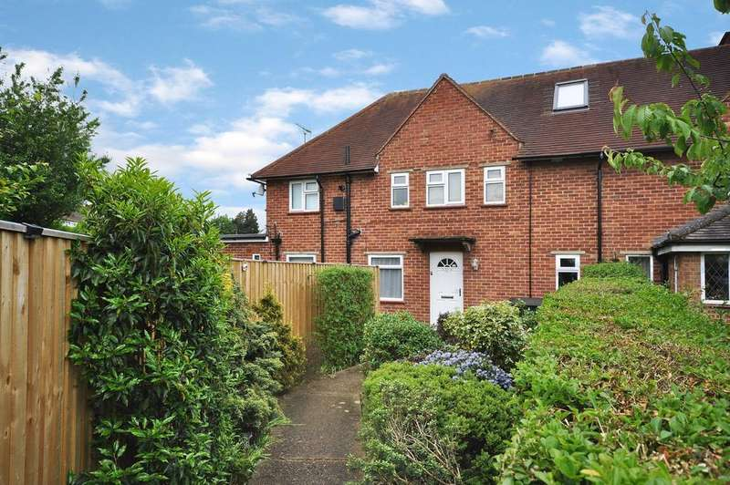 1 Bedroom Maisonette Flat for sale in South Lake Crescent, Woodley, Reading, RG5 3QW