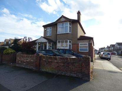 3 Bedrooms Detached House for sale in Rainham