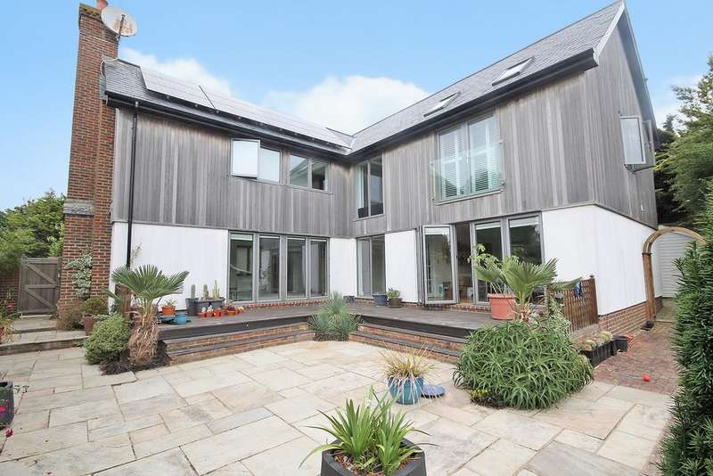 5 Bedrooms Detached House for sale in Wilkinson Close, Rottingdean, Brighton BN2 7EG