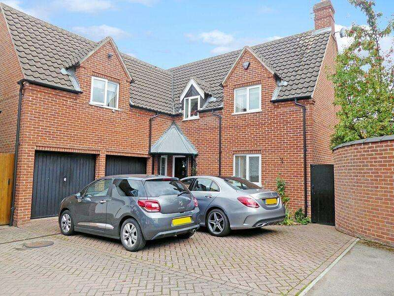 4 Bedrooms Semi Detached House for sale in Kingsgate, Lockington, Derby