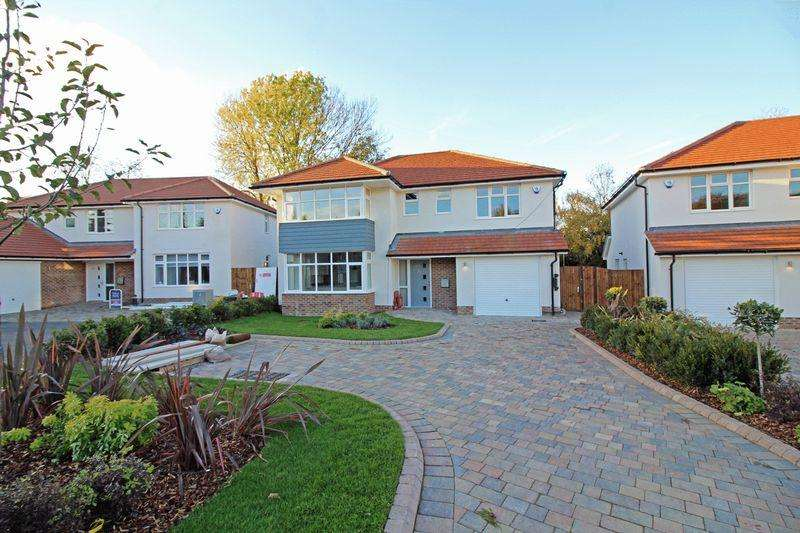 4 Bedrooms Detached House for sale in 10B Church Way, Sanderstead, Surrey