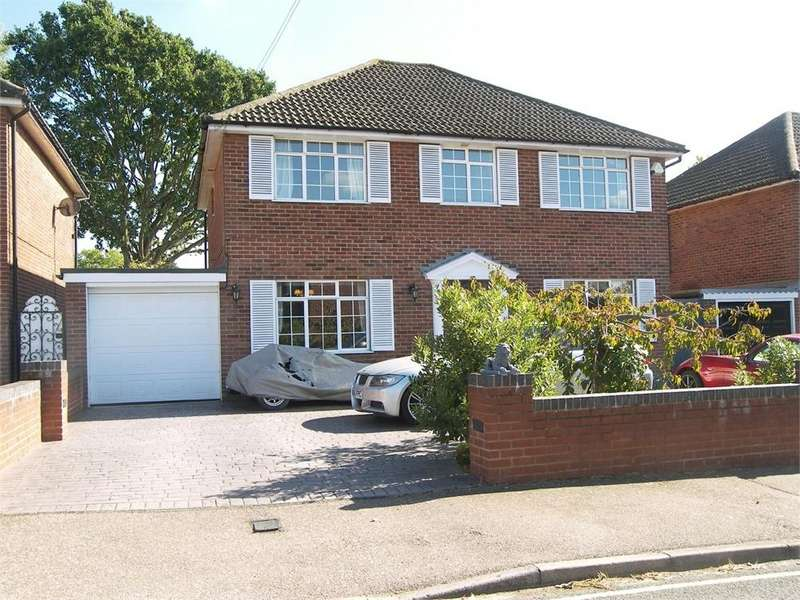 4 Bedrooms Detached House for sale in THE MOUNT, POTTERS BAR