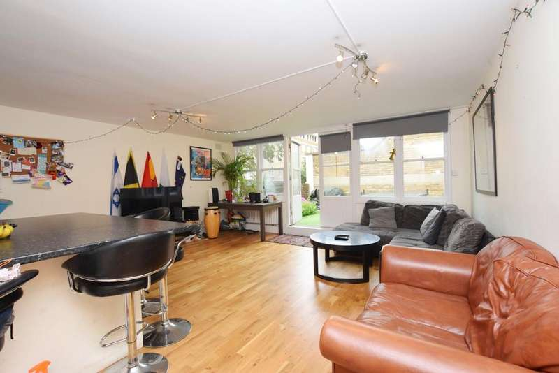 5 Bedrooms Flat for sale in Overton Road Brixton SW9