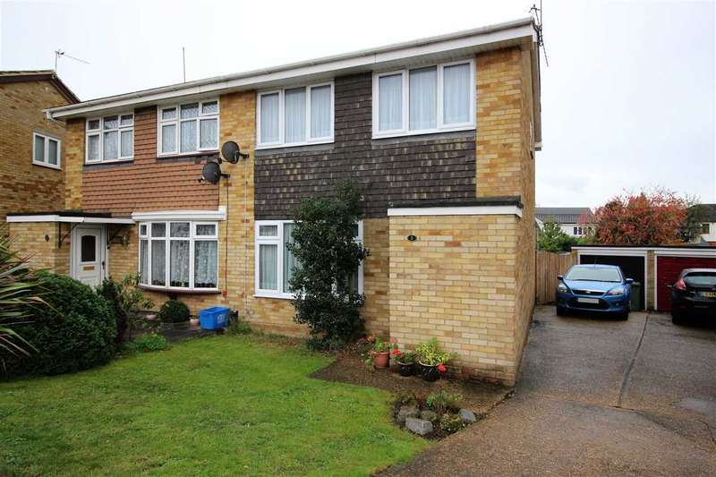 3 Bedrooms Semi Detached House for sale in Bodell Close