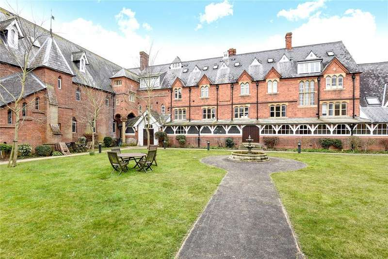 2 Bedrooms Flat for sale in Convent Court, Hatch Lane, Windsor, Berkshire, SL4