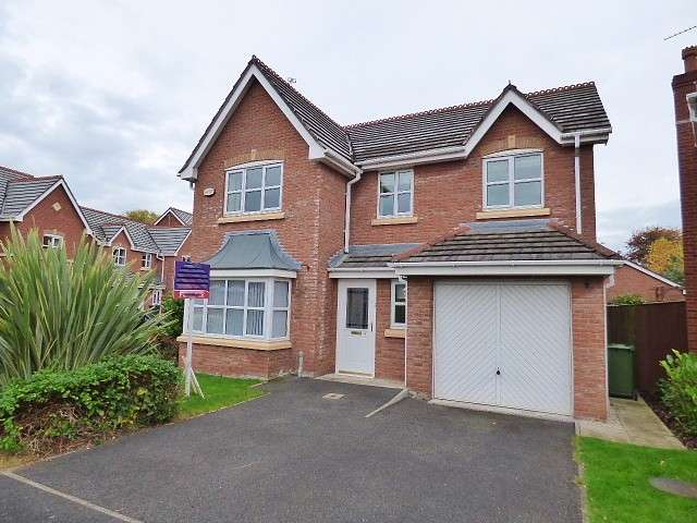 4 Bedrooms Detached House for sale in Chapelside Close, Great Sankey, Warrington