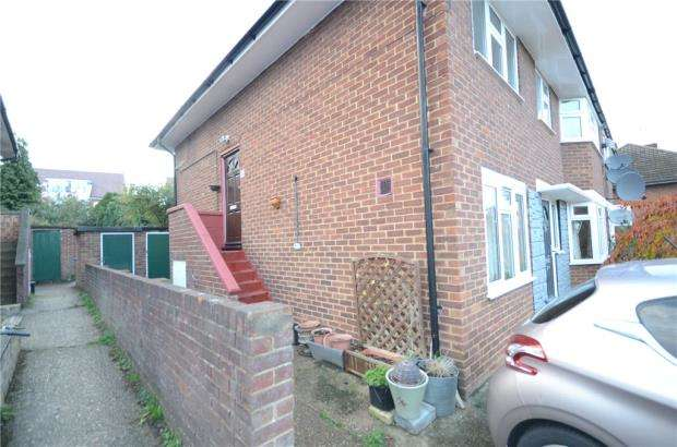 2 Bedrooms Maisonette Flat for sale in Whurley Way, Maidenhead, Berkshire