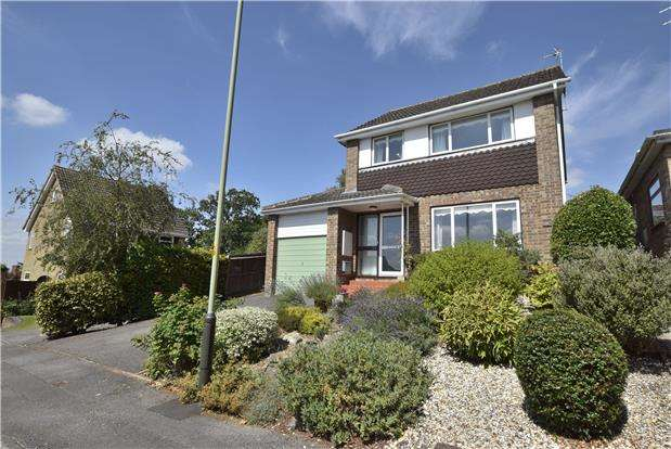 3 Bedrooms Detached House for sale in Charlton Court Road, Charlton Kings, Cheltenham, Gloucestershire