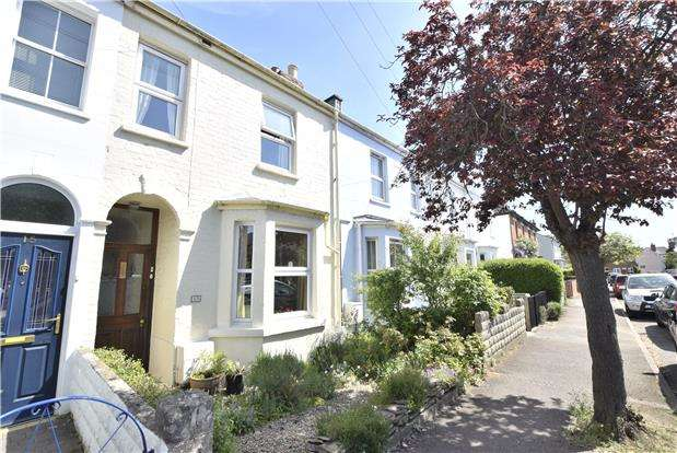 3 Bedrooms Terraced House for sale in Lyefield Road East, Charlton Kings, Cheltenham, Gloucestershire