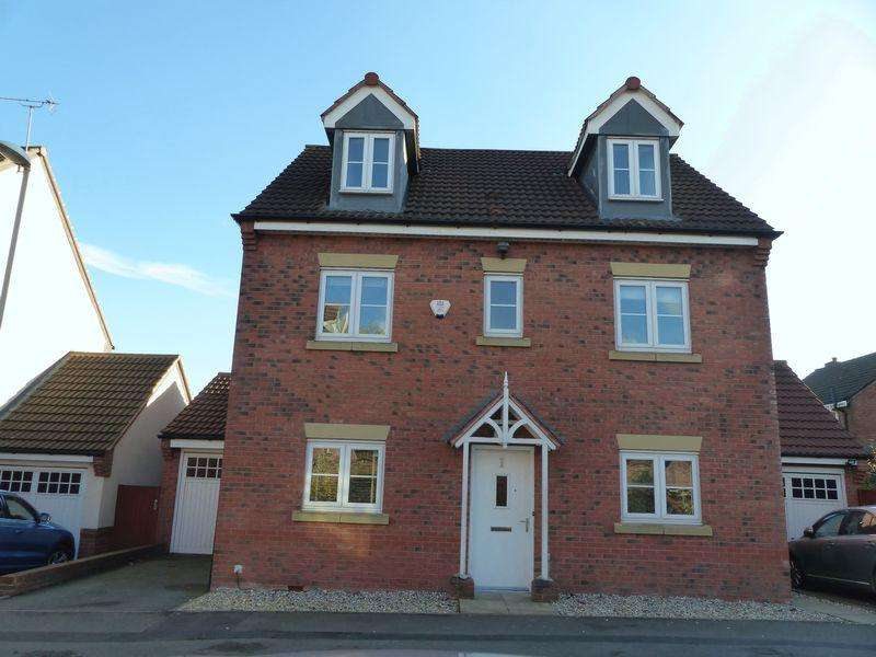 5 Bedrooms Detached House for sale in Galton Drive, Great Barr