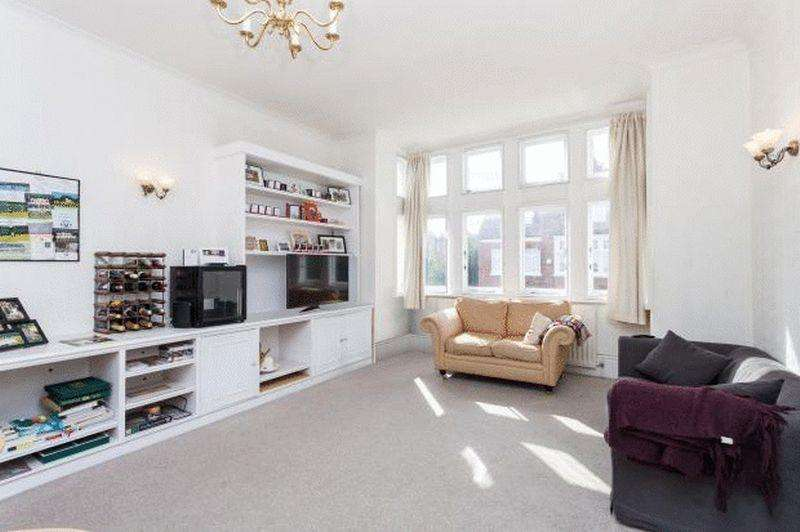 2 Bedrooms Apartment Flat for sale in Crediton Hill, London