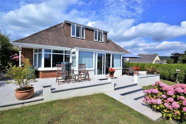 4 Bedrooms Detached Bungalow for sale in Windsor Mead, Sidford, Sidmouth, Devon